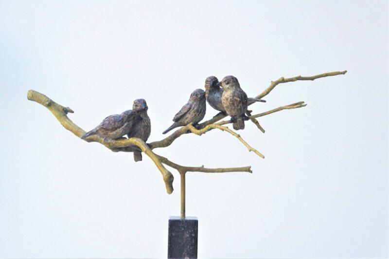 bronzen beeld mussen-gezin
