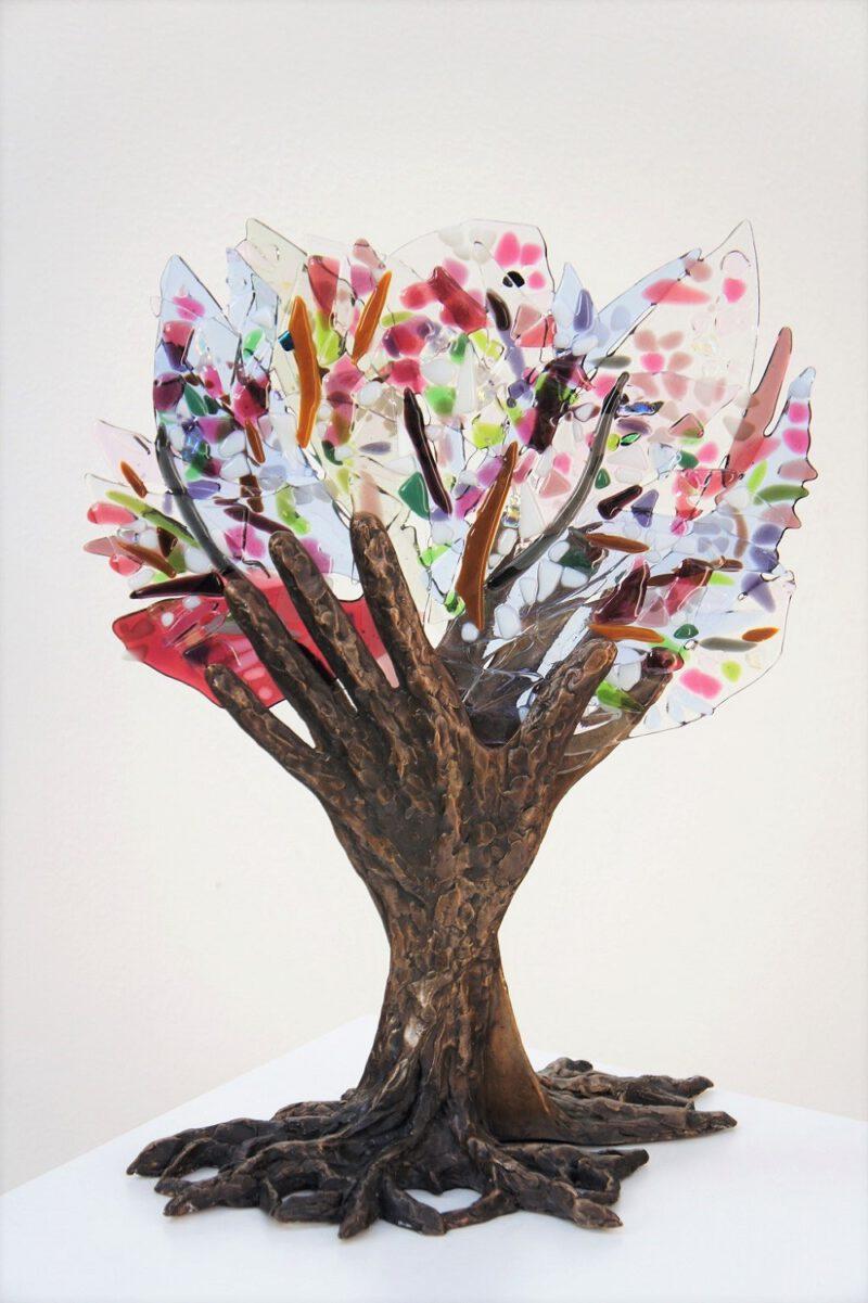 bloeiende vriendschapsboom in brons