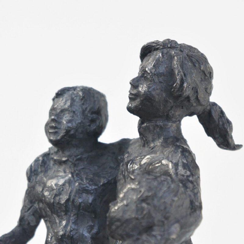 detail bronzen beeld Diane Timmer
