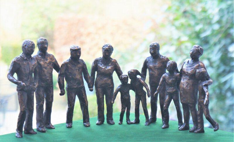 bronzen familiebeeld Diane Timmer