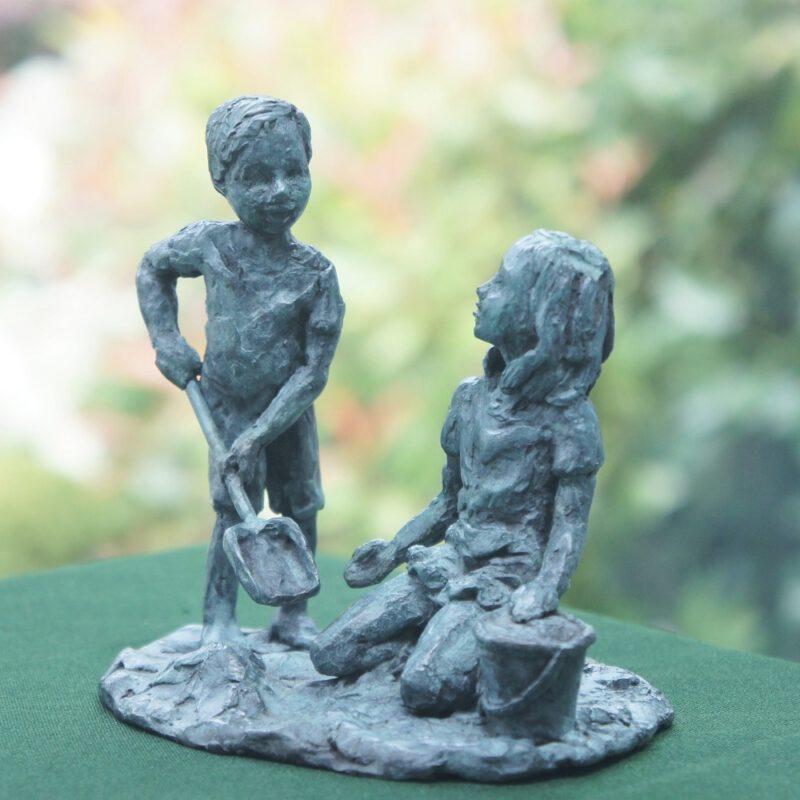 bronzen beeld kinderen Diane Timmer