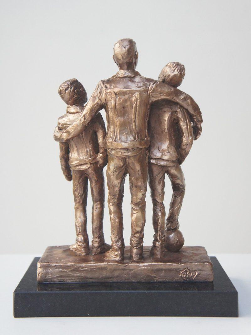 bronzen beeld 3 broers Diane Timmer